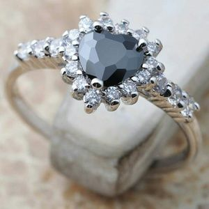 Jewelry - Black Heart Crystal Ring